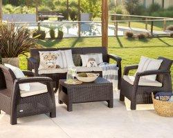 Современная мебель для дачи плетеного типа.