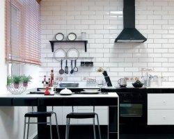 Покупаем плитку для кухонного фартука: 4 параметра выбора