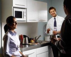 Кухня в офисе: комфорт и функциональность