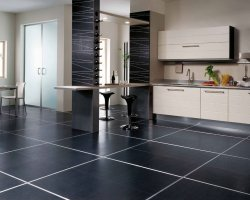 Плитка входит в число наиболее практичных напольных покрытий для ванной и кухни