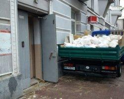 Вывоз строительного мусора: стеклопакеты или бой